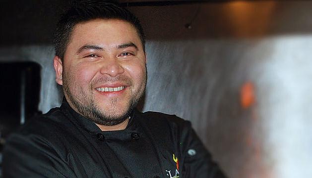 El salvadoreño Francisco Ferrufino, junto al equipo de co-propietarios de Flama, aspira a ayudar a otros inmigrantes en la ciudad para que comiencen sus propias carreras culinarias.