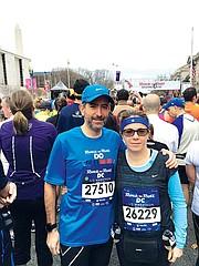 DEBUT. Alfonso Guzman y Paula Herrera buscarán completar las 26.2 millas.