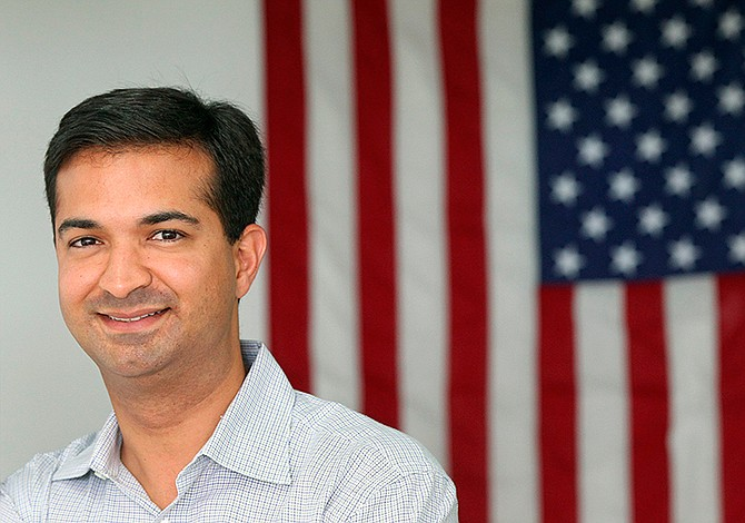 Curbelo introduce bill to provide legal status to dreamers