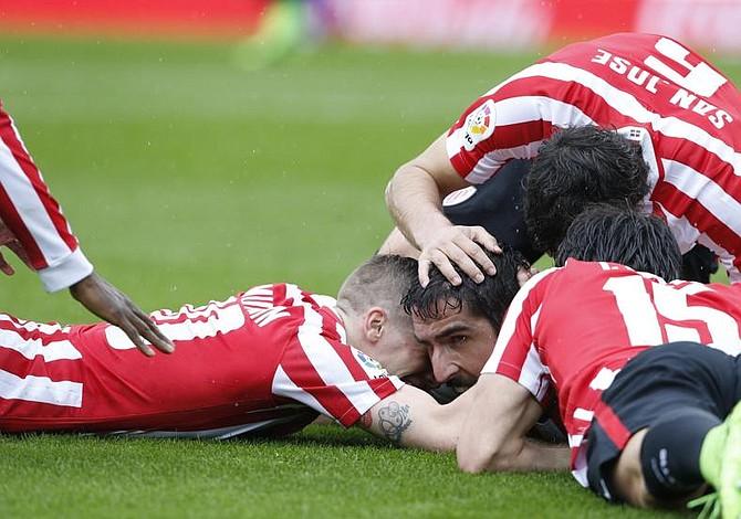 El Athletic gana el derbi a la Real Sociedad y se acerca a Europa