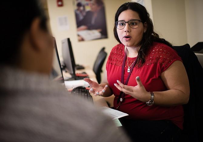 Inmigrantes indocumentados temen declarar impuestos