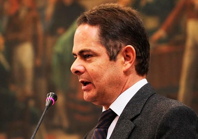 Vicepresidente de Colombia renunció para ser candidato presidencial