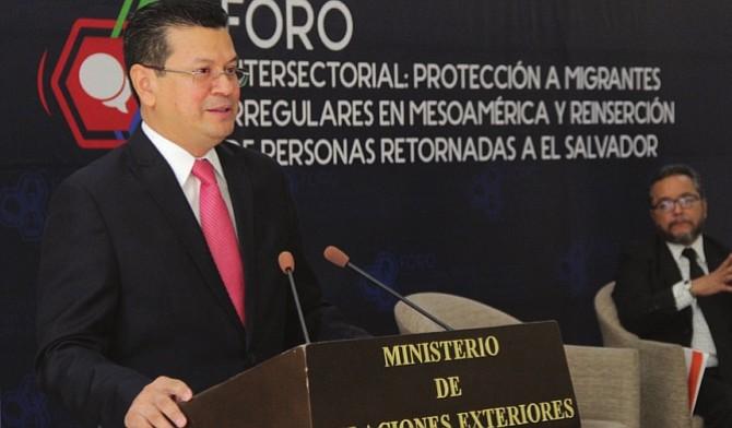 ¿TPS para salvadoreños en Estados Unidos está en peligro ante medidas del Presidente Trump?