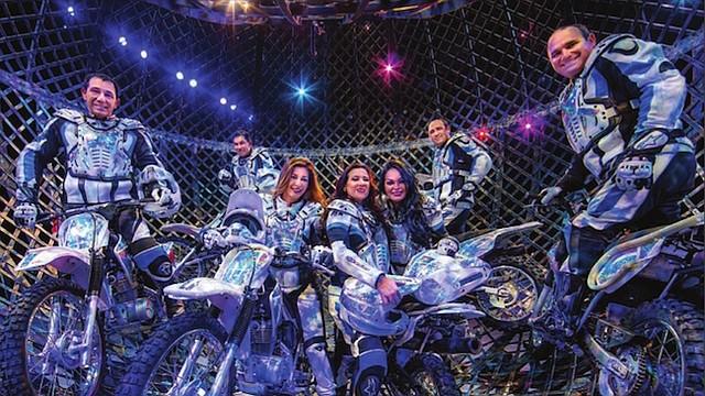 INTRÉPIDOS. Estos motociclistas acróbatas maravillan al público de Ringling Bros.