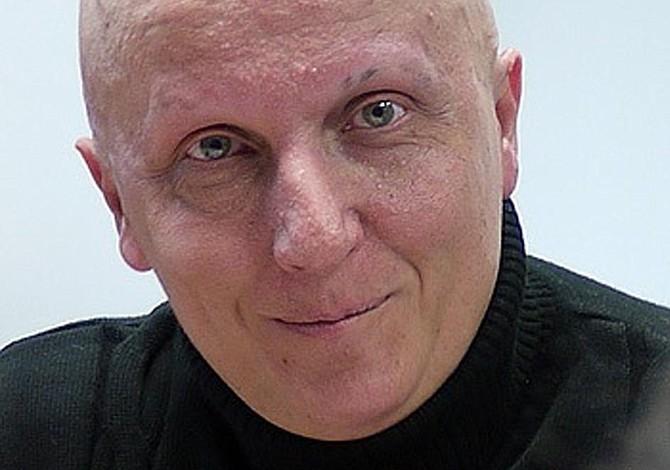Hombre estafa casi $270.000 al decir que tiene miles de tumores