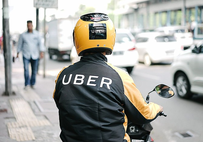 Uber agrega motocicletas a sus servicios en Dominicana