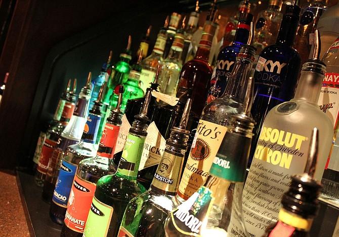 Tips para seleccionar y comprar el licor para tu boda