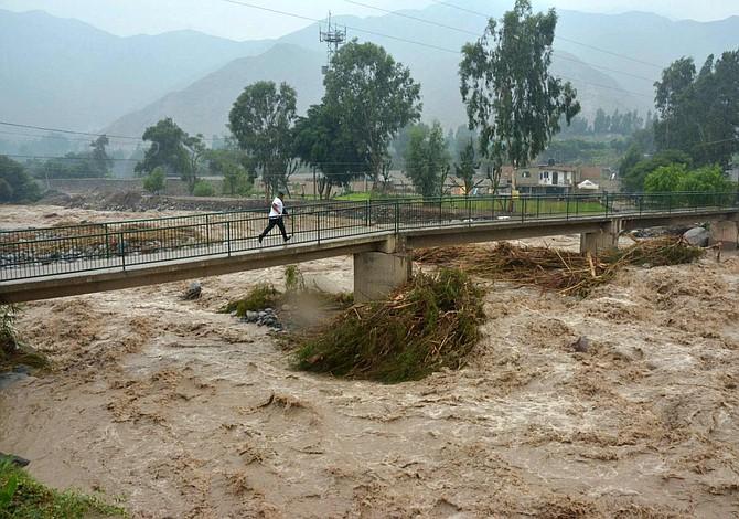 Son 75 los muertos por inundaciones en Perú