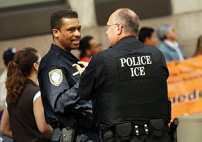 Trump publicó lista de inmigrantes criminales y quienes los ayudan