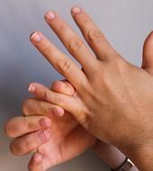 Conozca las razones por las que los dedos de las manos se hinchan