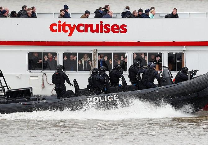 Londres ensayó en el Támesis una operación antiterrorista