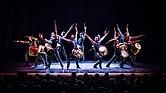 """En Che Malambo, 14 hombres representan la danza tradicional de los vaqueros argentinos, conocidos como """"gauchos"""", en un espectáculo único, muy rítmico y energético."""