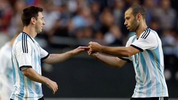 Messi ya entrena con Argentina para preparar el partido contra Chile