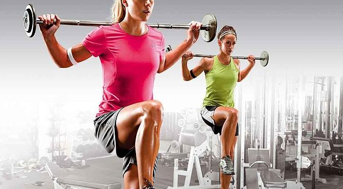 Las mujeres pierden músculo más rápido que los hombres porque producen menos testosterona que ellos