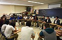 Estudiantes inmigrantes en High Point High School en Beltsville, MD, 2 de febrero 2016 se reúnen para apoyarse mutuamente tratando de enfrentarse al trauma que experimentaron antes de venir a los Estados Unidos. Las escuelas del condado de Prince George están viendo una afluencia de inmigrantes, al igual que las escuelas en todo el país.
