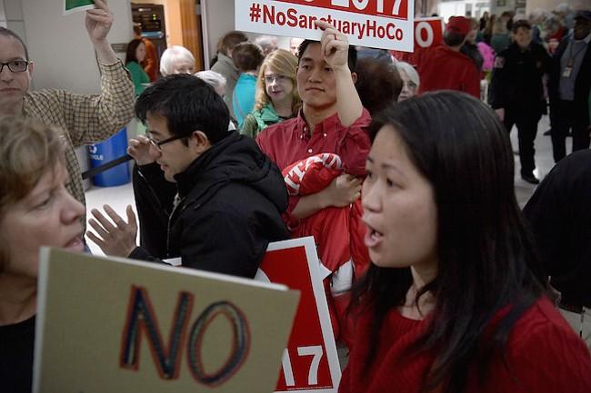 Estas primeras generaciones de chinos-americanos se están oponiendo fuertemente a leyes de asilo
