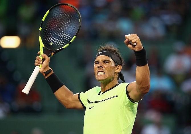 Nadal remonta a Kohlschreiber y avanza a octavos del Masters de Miami