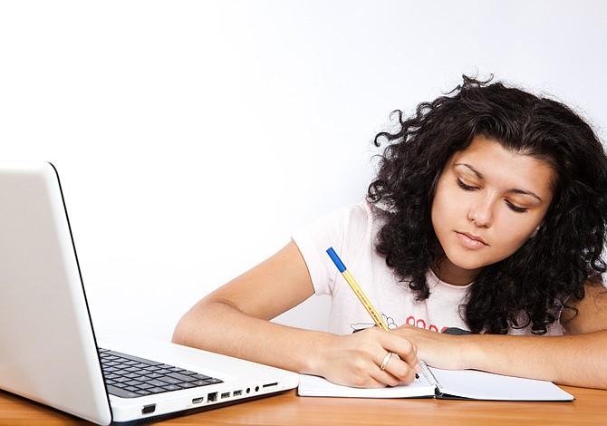 Cinco becas disponibles para estudios universitarios en Massachusetts