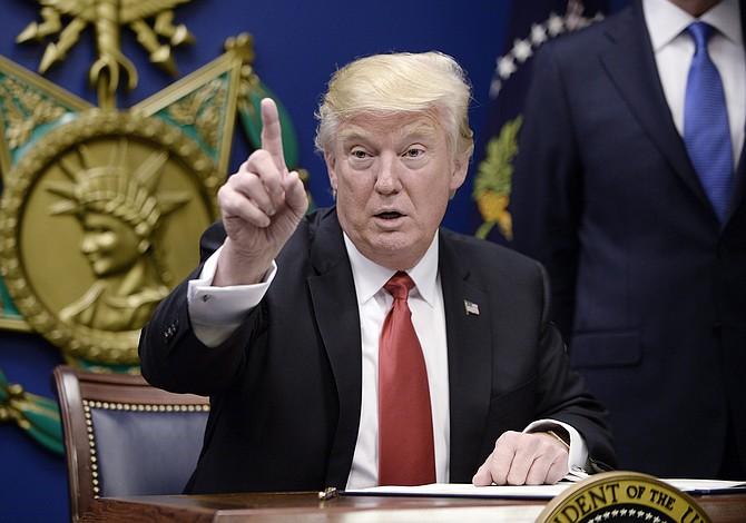 Trump firmó orden para desmantelar el legado climático de Obama