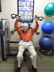 """John Henderson, de 104 años, dice que el secreto de la larga vida es """"vivir con moderación""""."""