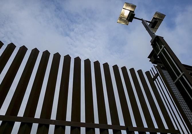 Contratistas hispanos reciben amenazas de muerte tras presentar ofertas para construir muro fronterizo