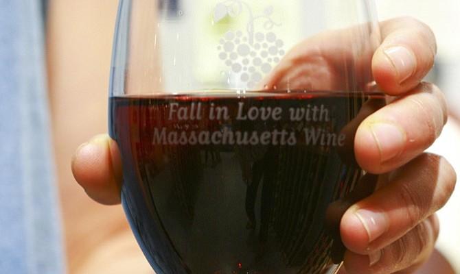ESTE DOMINGO: Degustación de vinos locales en Boston Public Market por sólo $10