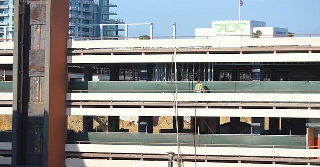 Otro aspecto de las obras de ampliación y renovación. Foto: Horacio Rentería/El Latino San Diego.