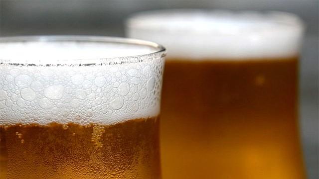 La cerveza es una de las bebidas más populares entre los hispanos