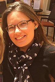Rebekah Turnbaugh, de 36 años, de Modesto, California, sufre de parálisis y necesita medicamentos a diario. No podría tenerlos sin la ayuda federal.