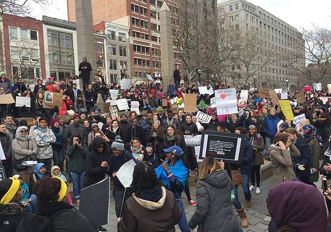 Congresistas y trabajadores protestarán en Boston contra la agenda extremista de Trump