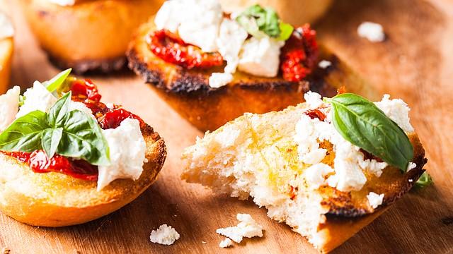 Para el desayuno, el almuerzo, la merienda o la cena, las bruschettas siempre son una buena opción.