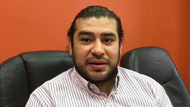 INMIGRANTES. Michael García explica que los inquilinos en DC no pueden ser discriminados por su estatus migratorio.