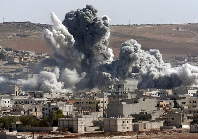 Ejército sirio denuncia bombardeo de coalición en almacén químico del EI