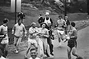 Kathrine Switzer, la primera mujer que completó el maratón de Boston, en 1967