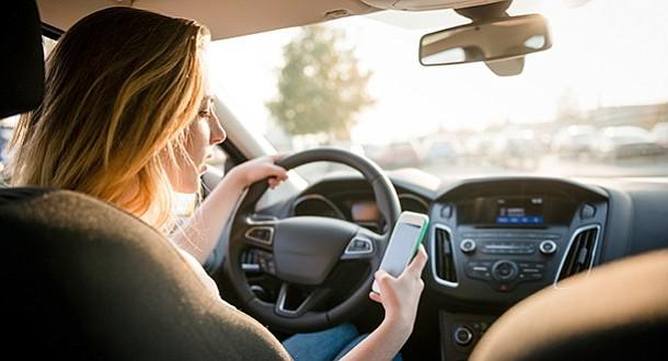 """Los """"millennials"""" lideran lista de peores conductores estadounidenses"""