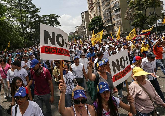 Venezuela #19A: Fuerzas de seguridad reprimen marcha de la oposición en Caracas y el resto del país (actualizado)