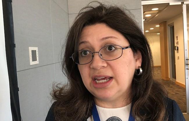 IMPOSTORES. Mónica Vaca, directiva de la Comisión Federal de Comercio, advirtió sobre impostores que se hacen pasar por oficiales del gobierno.
