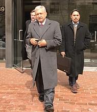 Manuel López Obrador a su salida del edificio de la Organización de Naciones Unidas. Foto-Cortesía.