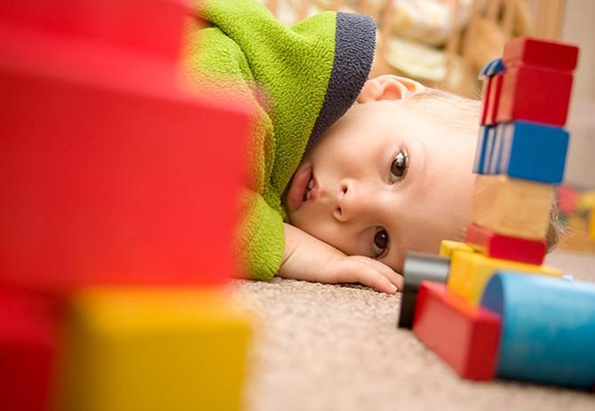 Antidepresivos al inicio del embarazo no aumentarían riesgo de autismo
