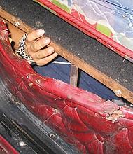 Un traficante de humanos fue sentenciado a 10 años de prisión por la muerte de cuatro inmigrantes indocumentados cuando se volcó la camioneta en la que los transportaba en el AÑO 2008 en el sur de Arizona, informo  la Fiscalía Federal en el estado. EFE/INM de Tapachula/SOLO USO EDITORIAL