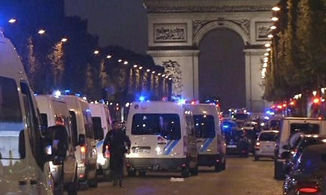 El atentado fue calificado por Hollande con terrorista