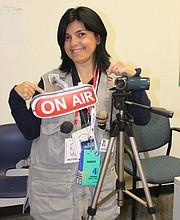 VOCACIÓN. Lyda Vanegas siempre encuentra una buena oportunidad para ejercer su pasión por el periodismo.