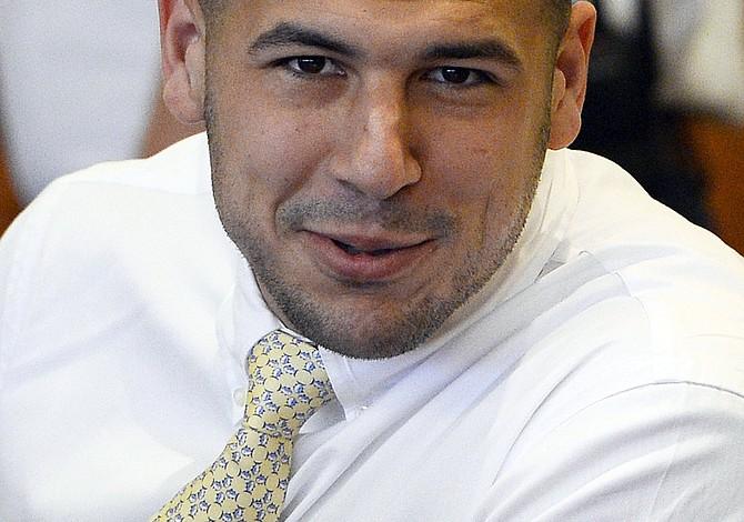 Aaron Hernández dejó 3 notas de suicidio en su celda