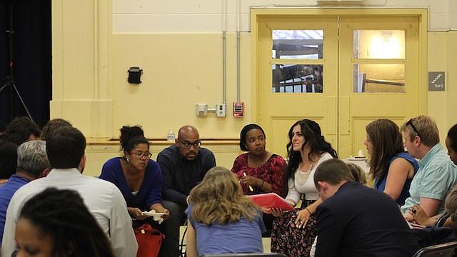 REUNIÓN.  Más de 100 personas se dieron cita para discutir qué áreas del presupuesto deben estar orientadas a servir mejor a la comunidad.