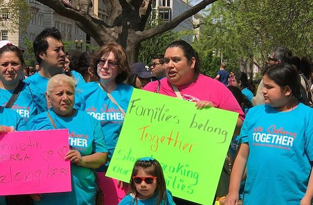 Las voces de más de cien niños, hijos de inmigrantes indocumentados, y sus padres, vinieron a Washington DC, para entregar un mensaje a Trump.