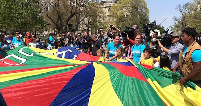 Niños activistas defendieron los derechos de sus padres inmigrantes frente a la Casa Blanca