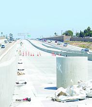 Vista de la autopista Inter estatal 805, desde el punto donde se construye la terminal de salida y entrada de autobuses express en East Palomar. Foto-Archivo: Horacio Rentería/El Latino San Diego.