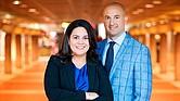 La fundadora y CEO de Archipelago, Josiane Martinez, con el vicepresidente de la empresa, Alec Loftus.