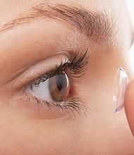 El cuidado adecuado de tus lentes de contacto, su estuche de almacenamiento y de tus ojos, es esencial para mantener la salud de tu vista