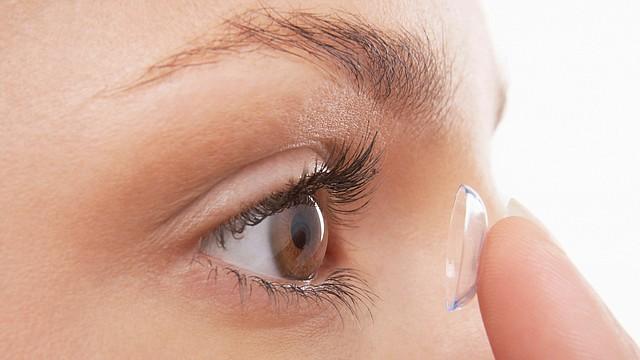 El cuidado adecuado de tus lentes de contacto es esencial para mantener la salud de tu vista
